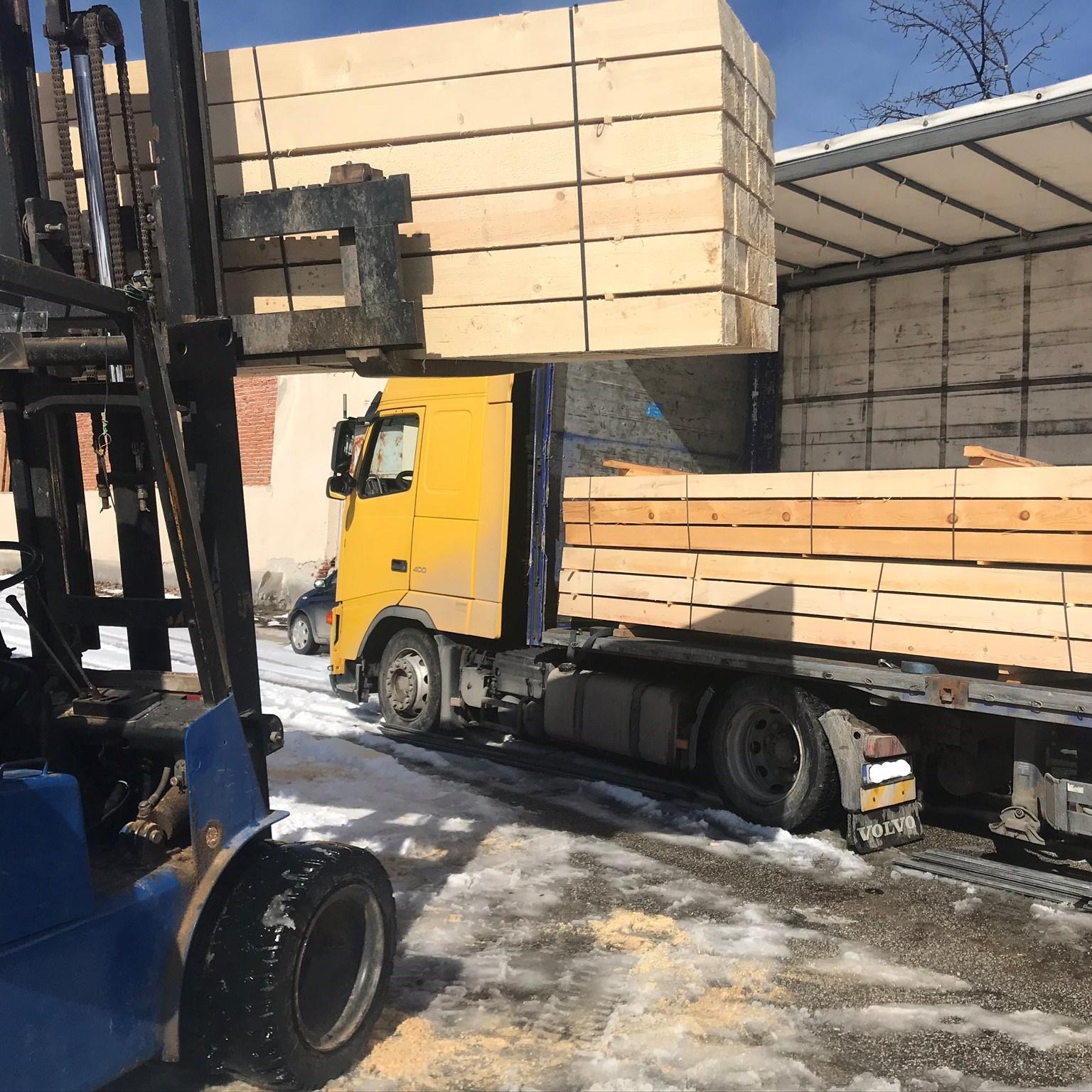Фасониран дървен материал